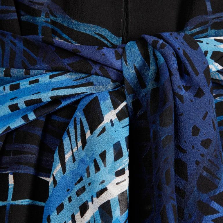 Women's Stunning 1970s La Mendola Vintage Blue + Black Op Art Print Jersey Silk Dress For Sale