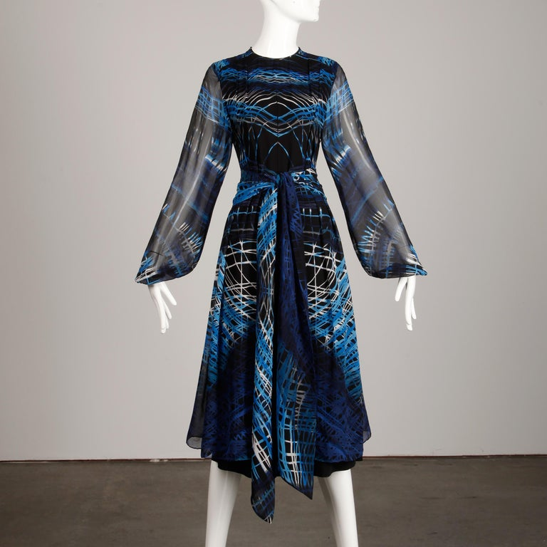 Stunning 1970s La Mendola Vintage Blue + Black Op Art Print Jersey Silk Dress For Sale 3