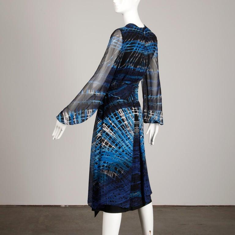 Stunning 1970s La Mendola Vintage Blue + Black Op Art Print Jersey Silk Dress For Sale 5