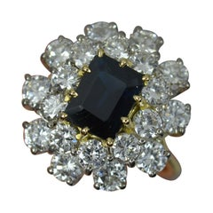 Stunning 2.75ct Diamond and Sapphire 18ct Gold Cluster Ring