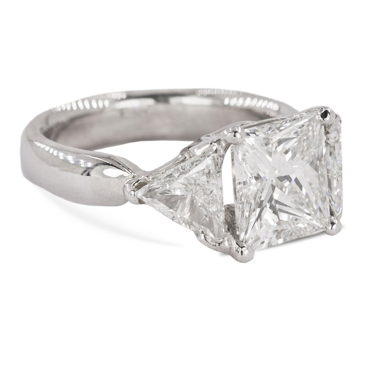 Stunning 3.03 Carat Diamond Ring In Excellent Condition For Sale In Sarasota, FL
