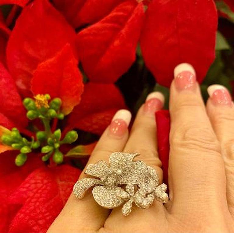 Round Cut Stunning 6 Carat Pavé Diamond Triple Flower Ring in 18 Karat White Gold For Sale