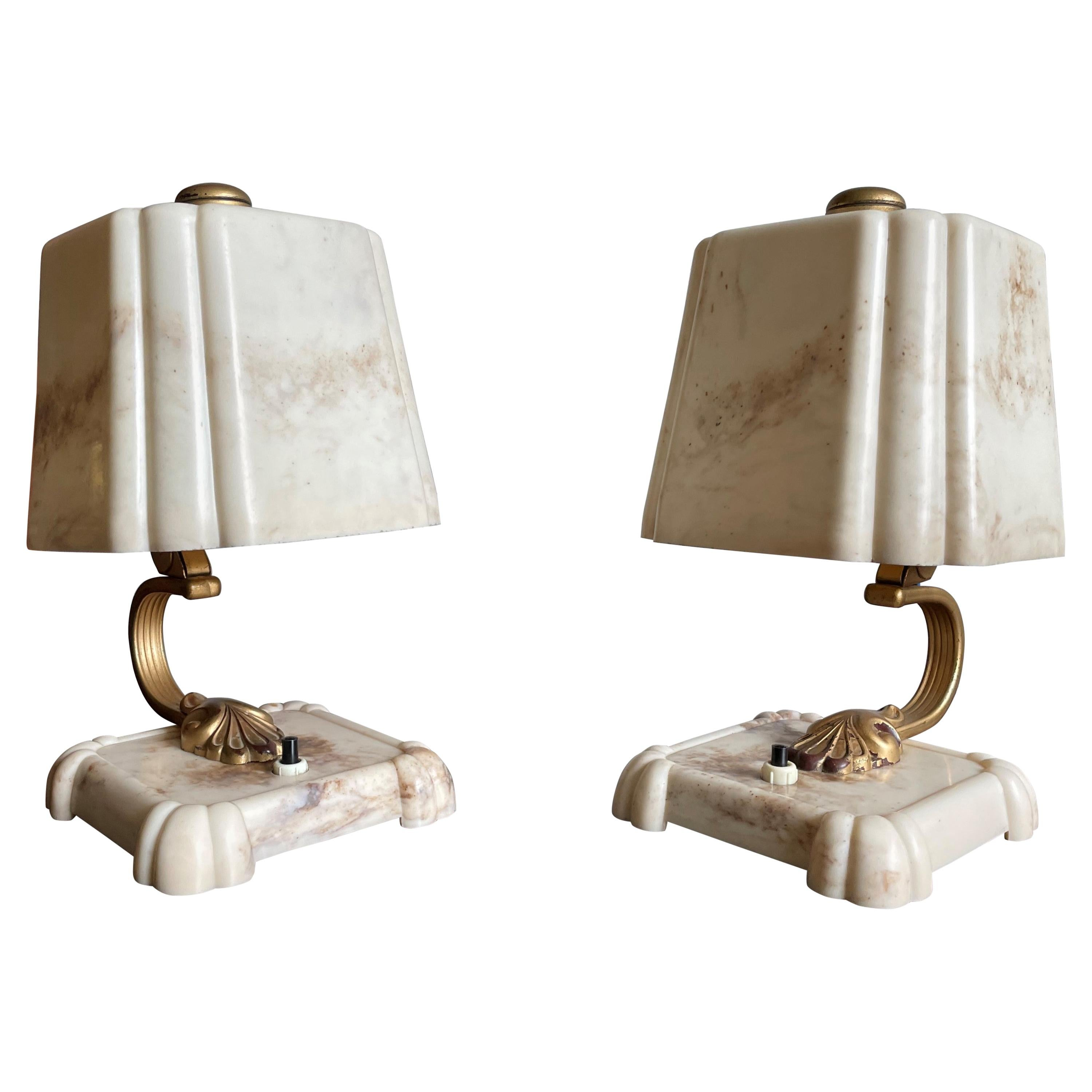 Stunning and Rare Pair of 1930s Art Deco Table or Bedside Lamps Made of Bakelite