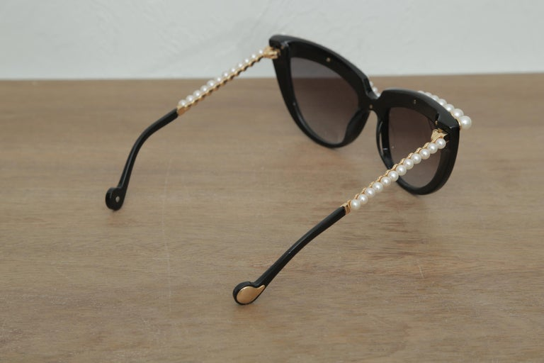 Stunning Anna-Karin Karlsson Black Pearl Trimmed Sunglasses 2018 In Excellent Condition For Sale In West palm beach, FL