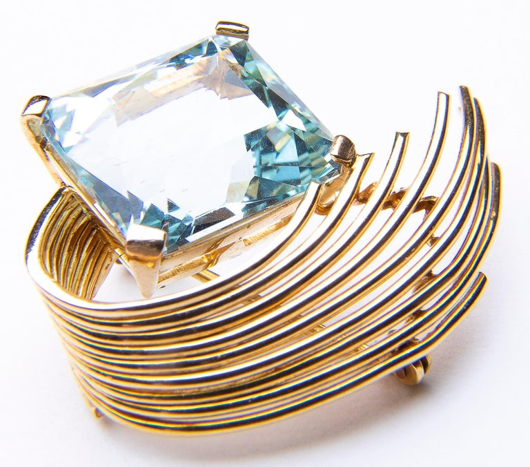This is a stunning and versatile piece of mid 20th century jewellery, which has been designed to be worn in either of two ways; either as a pendant, with a chain (not included) threaded through the secure hinged loop at the top of the piece, or as a