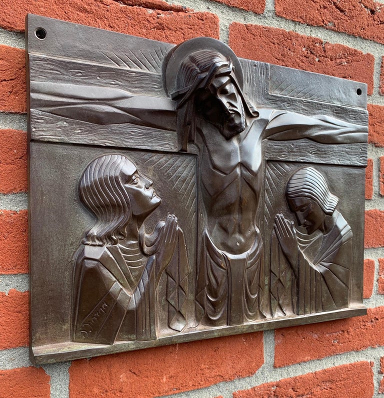 Stunning Art Deco Bronze Religious Plaque of Christ on Crucifix by Sylvain Norga In Good Condition For Sale In Lisse, NL