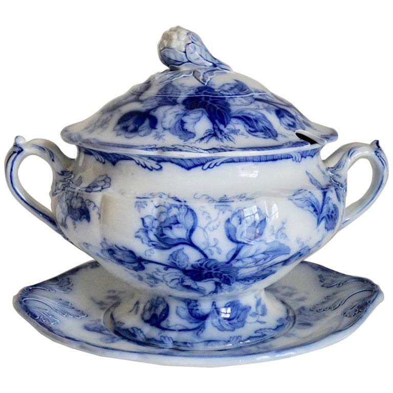 Stunning Big Wedgwood Water Nymph Hand Painted Porcelain Soup Tureen, England For Sale