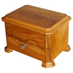 Stunning Blond Mahogany Antique Cigar Box with Perfect Working Lock and Key