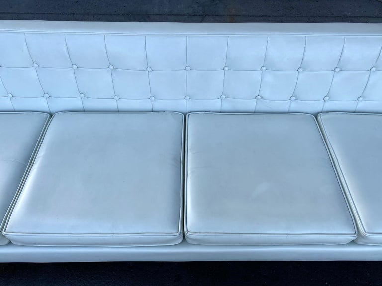 Mid-20th Century Stunning Button Tufted 4-Seat Sofa by Milo Baughman for Thayer Coggen