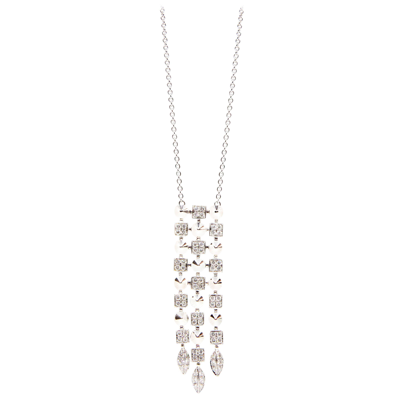 Stunning Bvlgari 18 Karat White Gold Diamond Pendant Chain Necklace