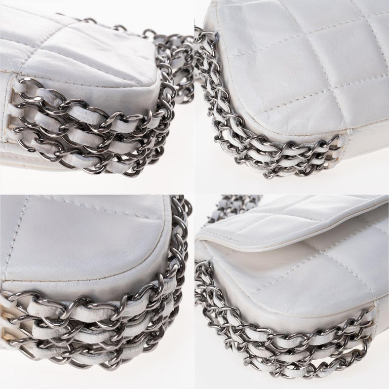 Stunning Chanel Handbag in white quilted lambskin & triple silver chain ! For Sale 4