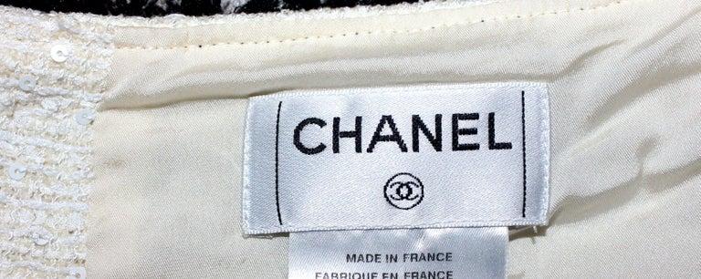 Extraordinary Chanel Signature Monochrome Sequin Fantasy Tweed Jacket For Sale 4