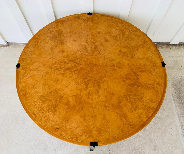 Stunning Coffee Table in Burl Wood and Lacquered Legs For Sale 6