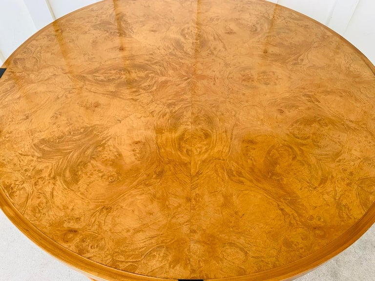 Stunning Coffee Table in Burl Wood and Lacquered Legs For Sale 8