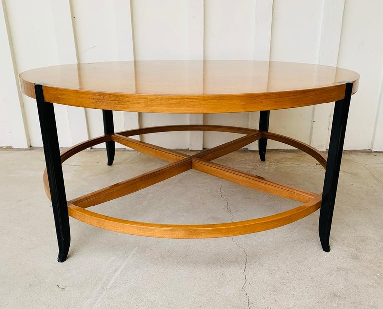 Mid-Century Modern Stunning Coffee Table in Burl Wood and Lacquered Legs For Sale