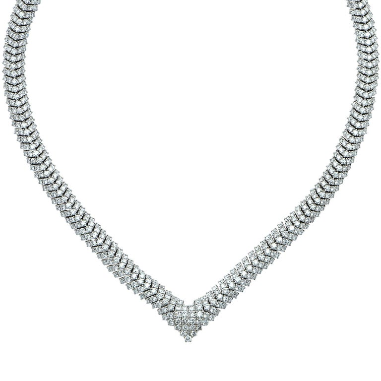 Round Cut Vivid Diamonds Stunning Colombian Emerald and Diamond Necklace For Sale