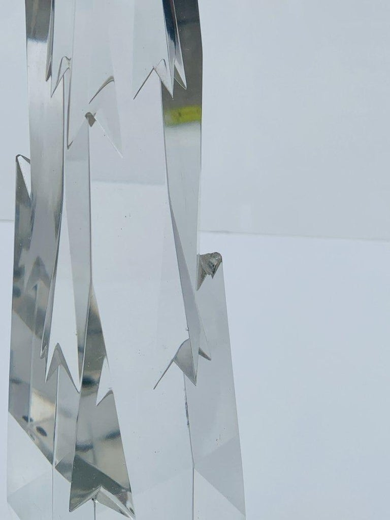 Stunning Crystal Obelisk In Fair Condition For Sale In Los Angeles, CA