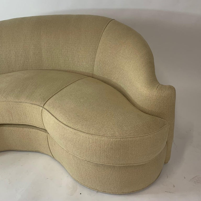 American Stunning Curved Sculptural Swaim Sofa Settee in the Manner of Vladimir Kagan For Sale