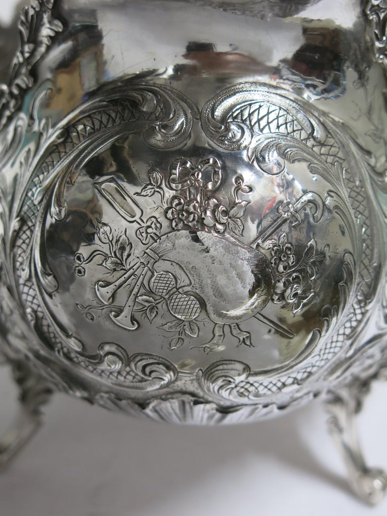 Stunning and Decorative, Large Oval Sterling Silver Antique French Centerpiece For Sale 12