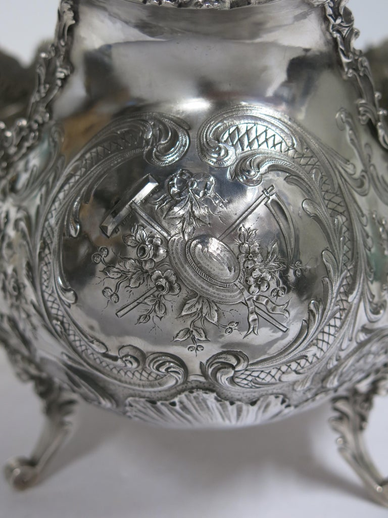 Stunning and Decorative, Large Oval Sterling Silver Antique French Centerpiece For Sale 13