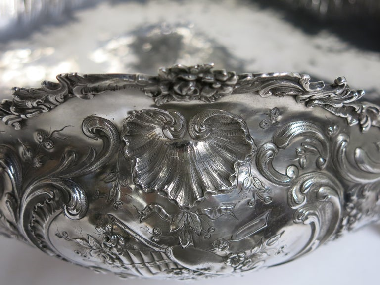Stunning and Decorative, Large Oval Sterling Silver Antique French Centerpiece For Sale 14