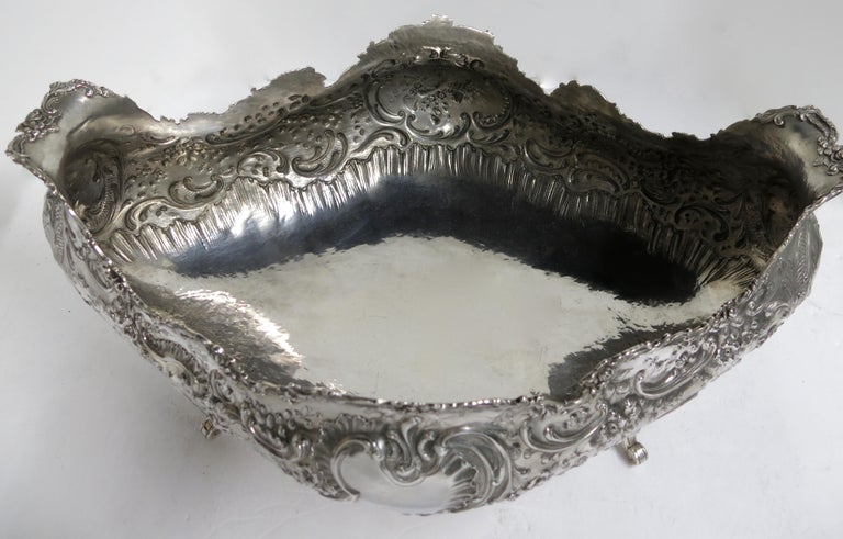 Stunning and Decorative, Large Oval Sterling Silver Antique French Centerpiece For Sale 3