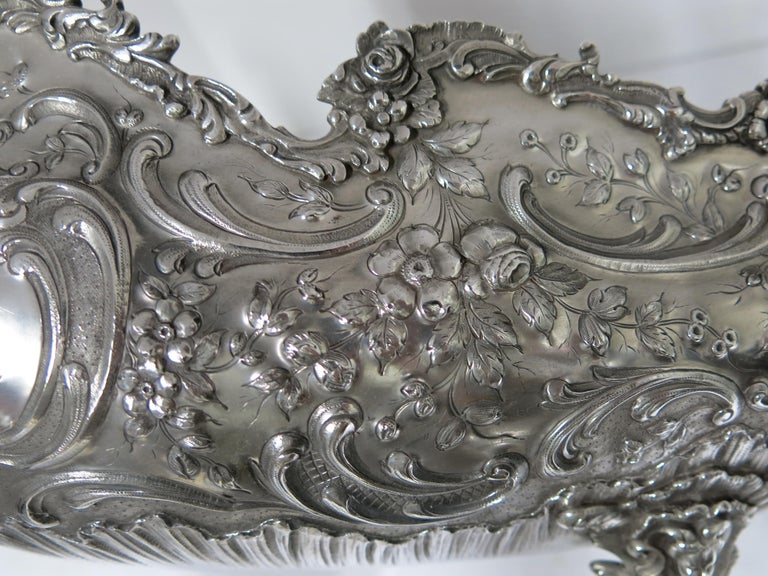 Stunning and Decorative, Large Oval Sterling Silver Antique French Centerpiece For Sale 5