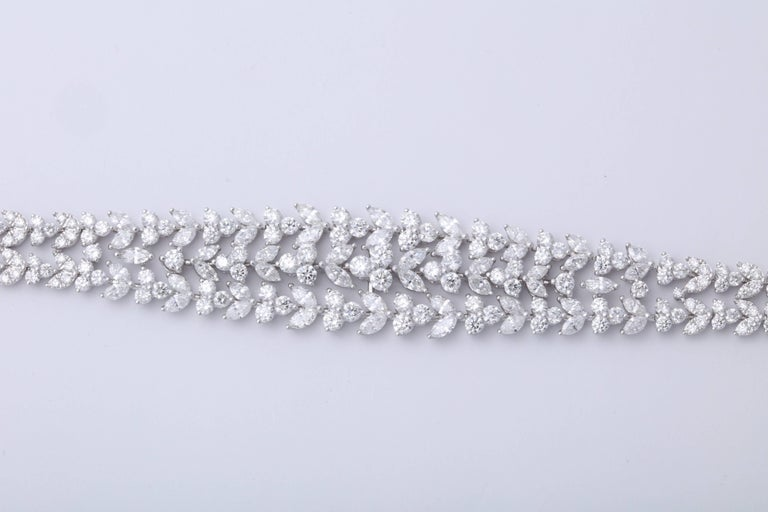 Stunning Diamond Bracelet In New Condition For Sale In New York, NY