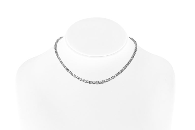 Women's Stunning Diamonds Necklace For Sale