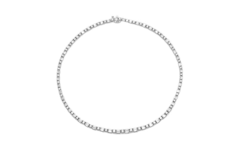 Stunning Diamonds Necklace In Good Condition For Sale In New York, NY