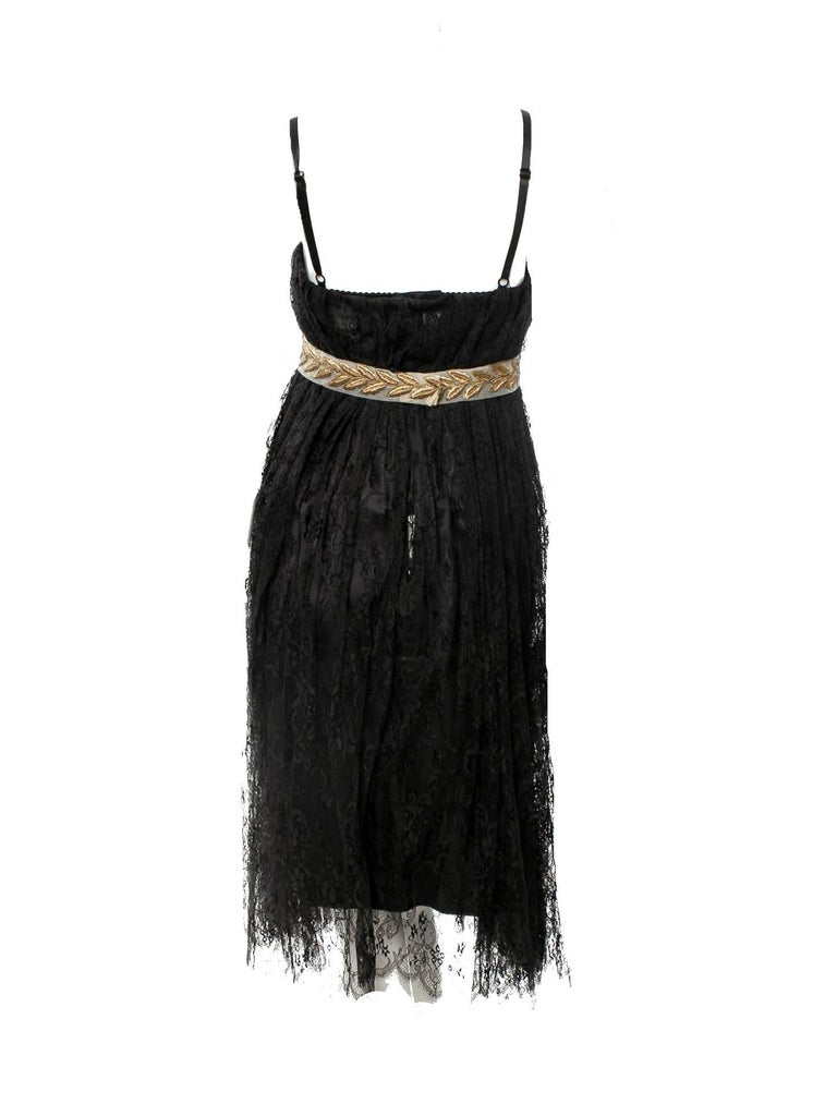 Stunning Dolce & Gabbana Black French Lace Laurel Dress In New Condition For Sale In Switzerland, CH