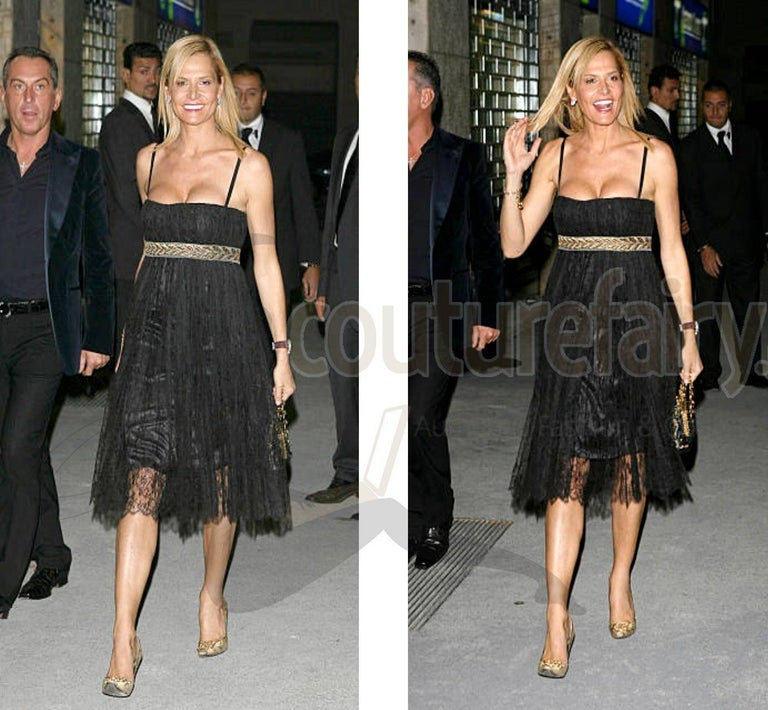Stunning Dolce & Gabbana Black French Lace Laurel Dress For Sale 2