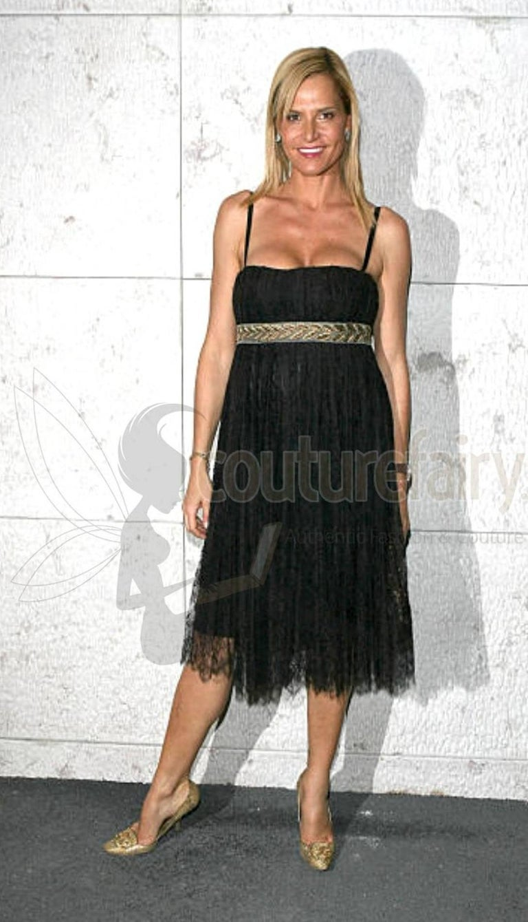 Stunning Dolce & Gabbana Black French Lace Laurel Dress For Sale 3