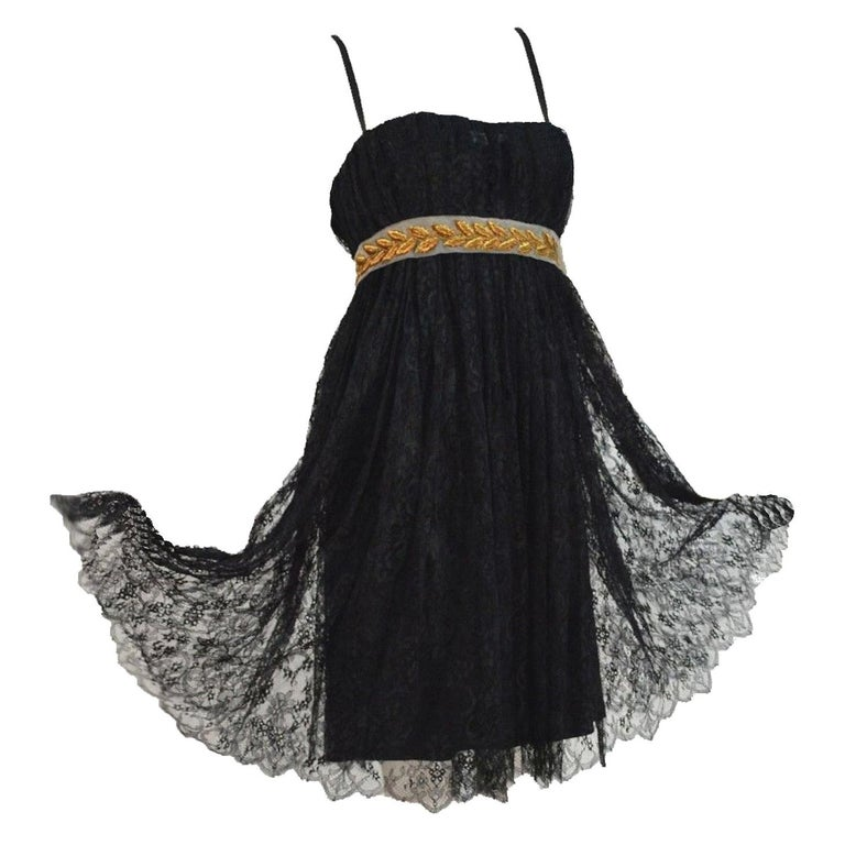 Stunning Dolce & Gabbana Black French Lace Laurel Dress For Sale