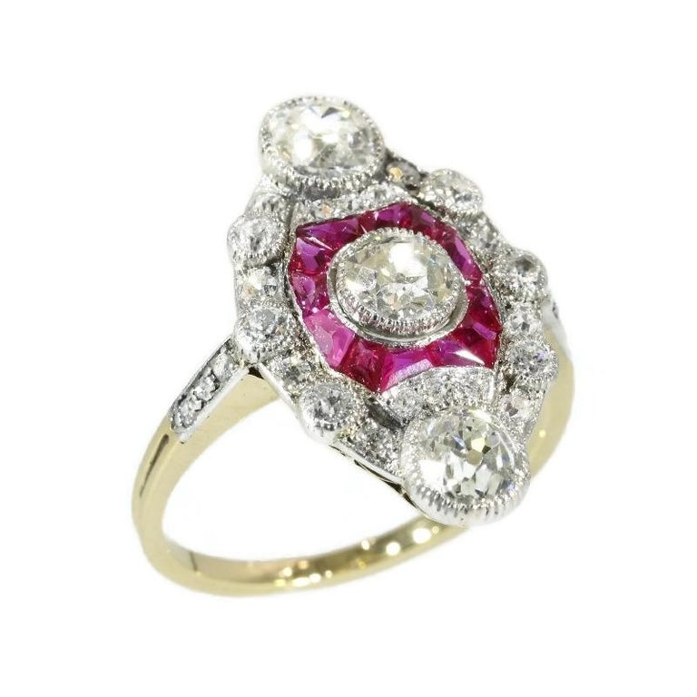 Stunning Edwardian Diamond and Ruby Engagement Ring, 1910s For Sale 3