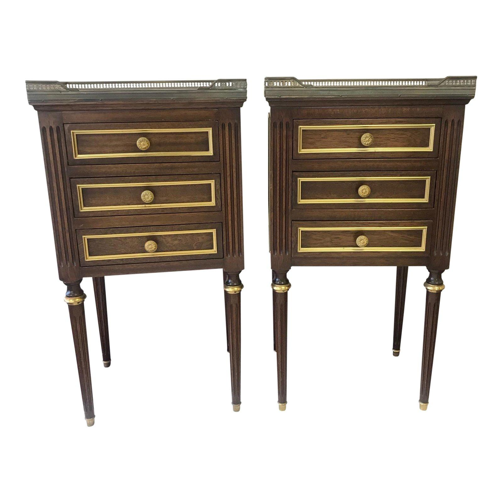 Stunning Elegant Pair Of French Regency Nightstands With 3 Drawers