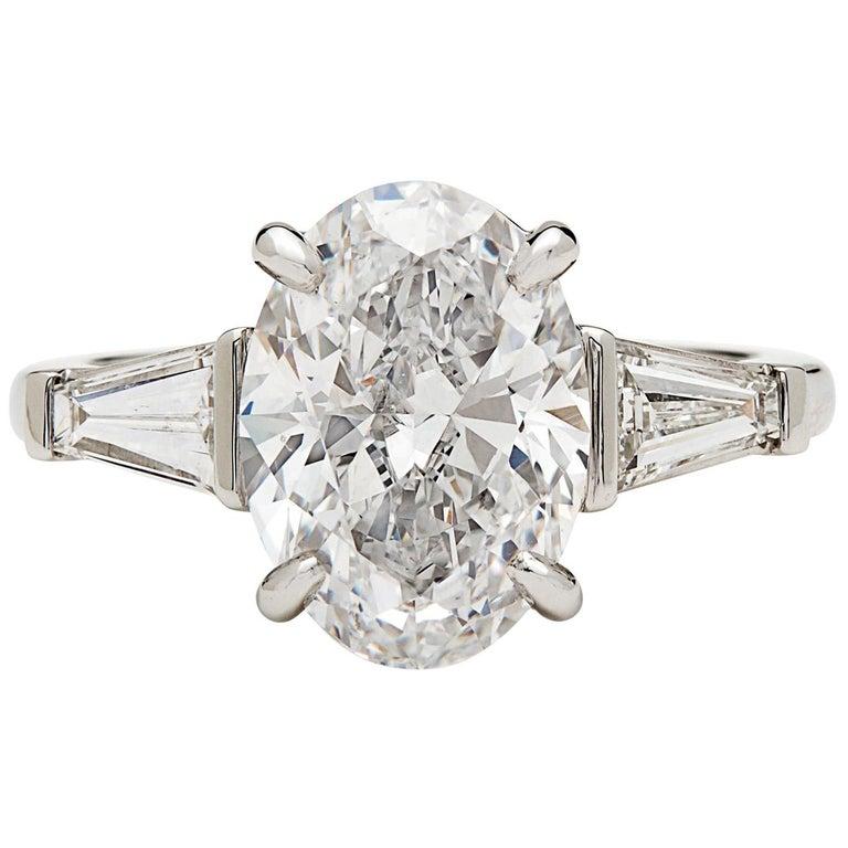 Stunning GIA 3.45 Carat E/VS2 Oval Diamond Ring For Sale