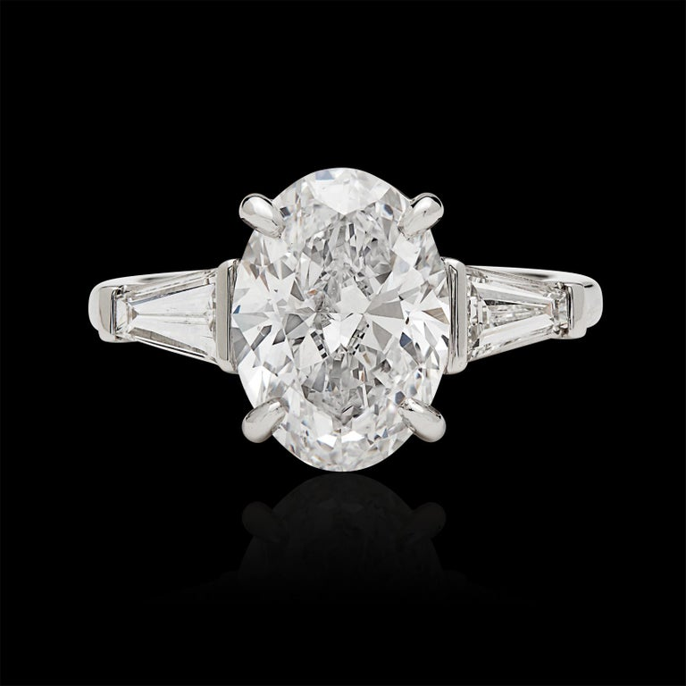 Oval Cut Stunning GIA 3.45 Carat E/VS2 Oval Diamond Ring For Sale