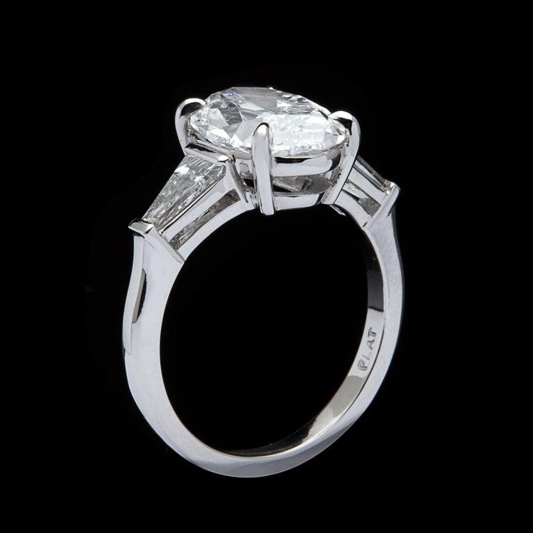 Women's Stunning GIA 3.45 Carat E/VS2 Oval Diamond Ring For Sale