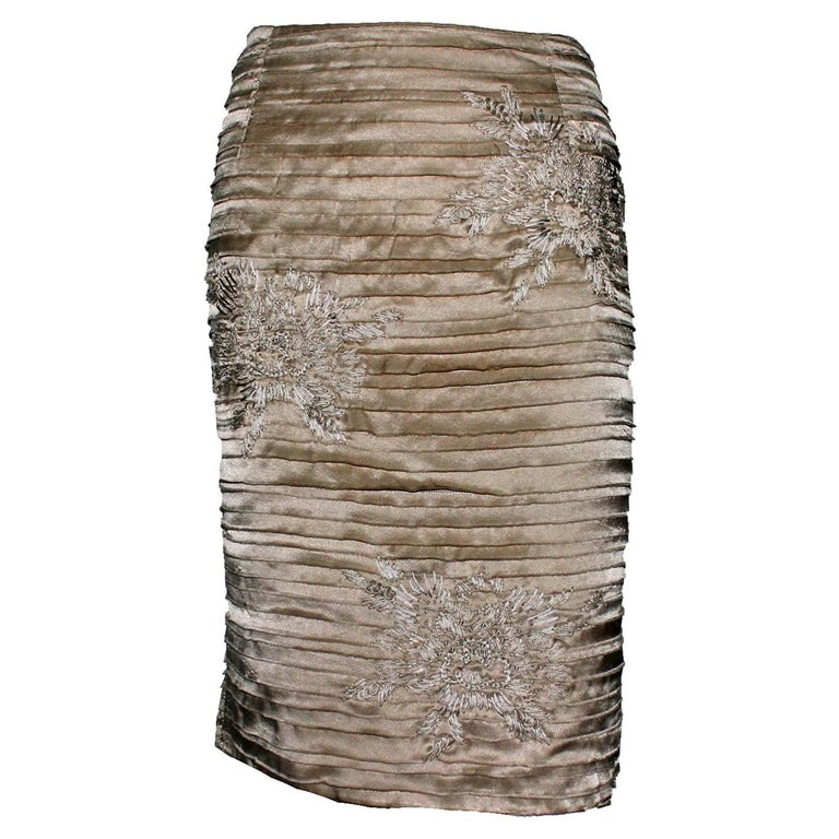 Stunning Gucci by Tom Ford 2003 Kimono Collection Embroidered Silk Skirt For Sale