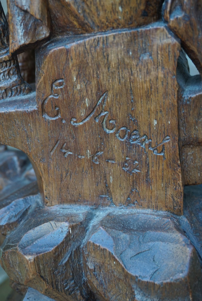 Stunning Hand Carved Early 20th Century Wooden Knight Sculpture by E. Moens For Sale 5