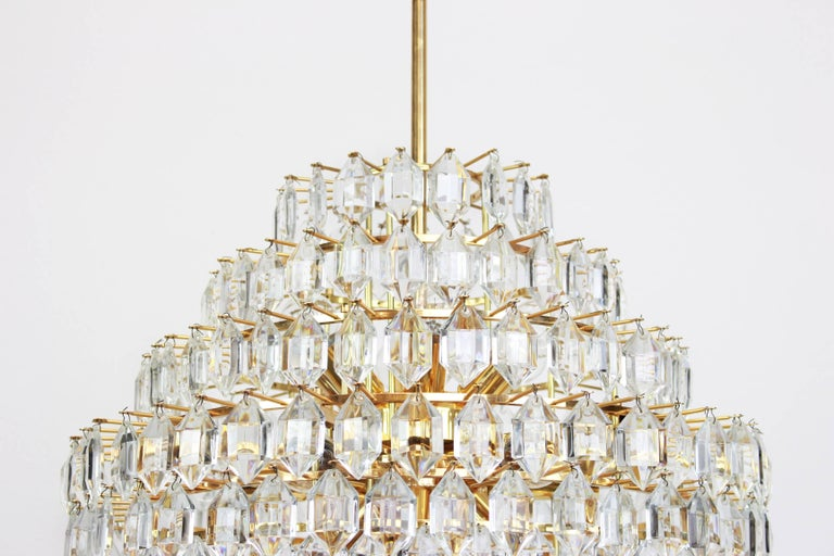 Midcentury Bakalowits chandelier, brass and crystal glass, Austria, 1960s.