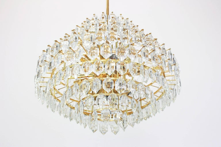 Mid-20th Century Stunning Huge Bakalowits Chandelier, Brass and Crystal Glass, Austria, 1960s For Sale