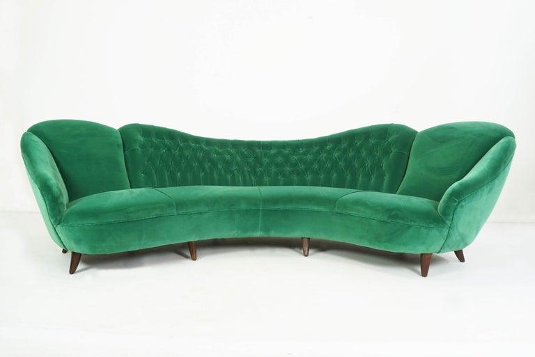 Stunning super elegant and confortable sofa (4-5 seaths) totally reupholstered and cover in 1std class power green velvet by Dedar. Velvet Adamo & Eva green forest col.108, Dedar Milano Melchiorre Bega attributed.