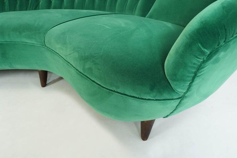 Italian Design 1950 Cozy Curved Sofa New Covered with Dedar Green Velvet 1