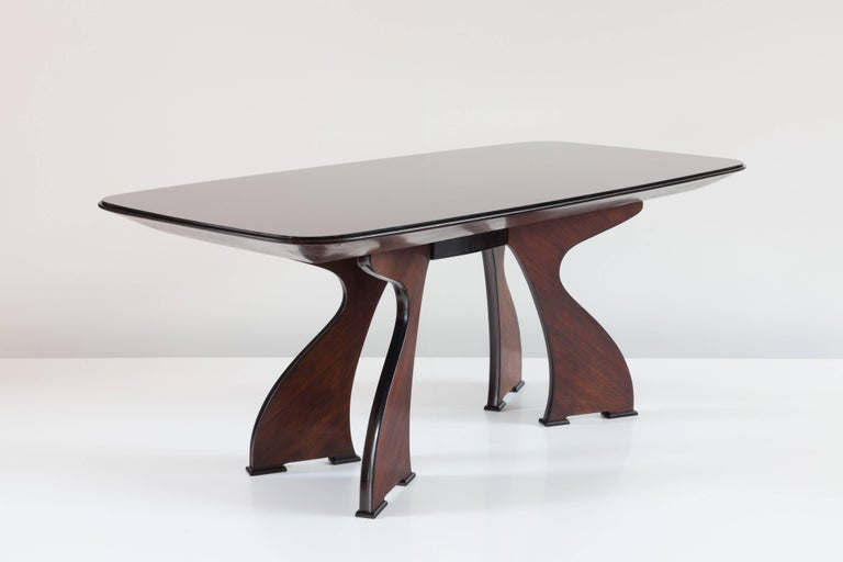 Stunning Italian Modern Rosewood and Black Opaline Glass Dining Table, 1940 In Good Condition For Sale In Rome, IT