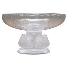 Stunning Lalique Crystal Nogent Bird Bowl Designed in 1948 by Marc Lalique