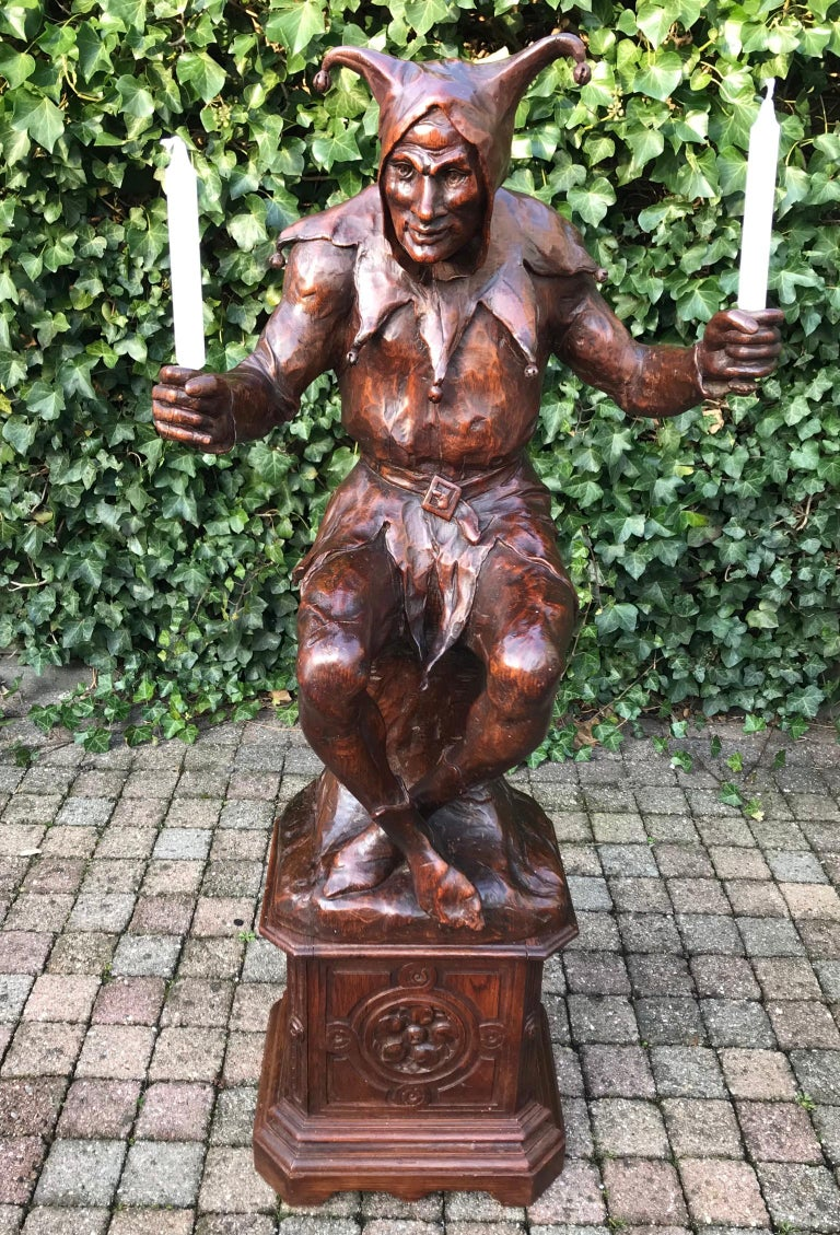 Stunning, Large and Hand Carved Renaissance Revival Court Jester Sculpture For Sale 3