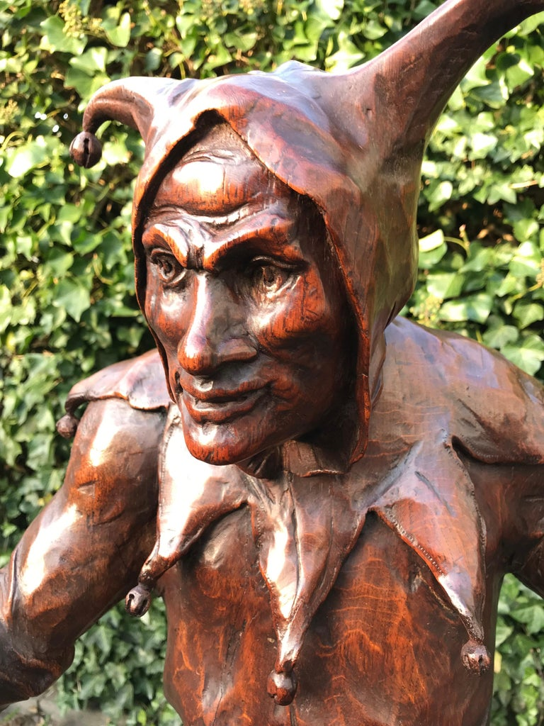 Stunning, Large and Hand Carved Renaissance Revival Court Jester Sculpture For Sale 9