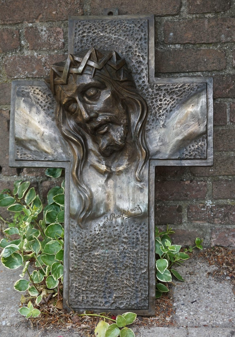 Stunning, Large & Handcrafted Bronze Art Deco Crucifix with Christ Suffering For Sale 4